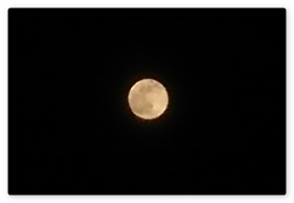 xperia_default_camera_moon2
