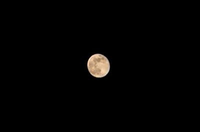 Xperia X Performanceで撮った月をPCで加工