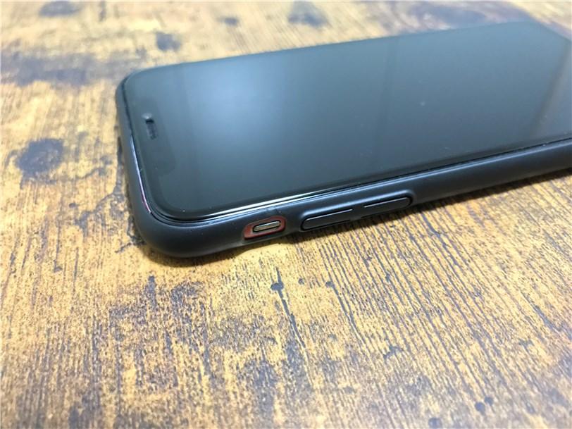 TORRAS iPhone X 専用ケース 薄型は液晶保護ガラスと相性抜群