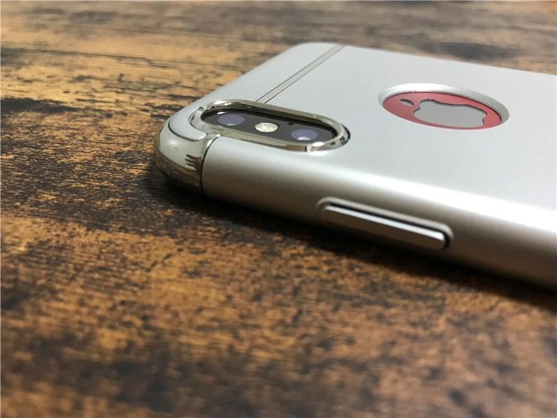 TORRAS iPhone X 専用ケースのカメラ穴の厚み