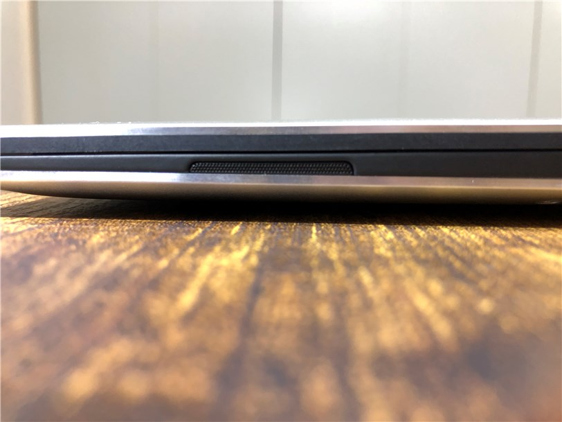 DELL New XPS 13のスピーカー