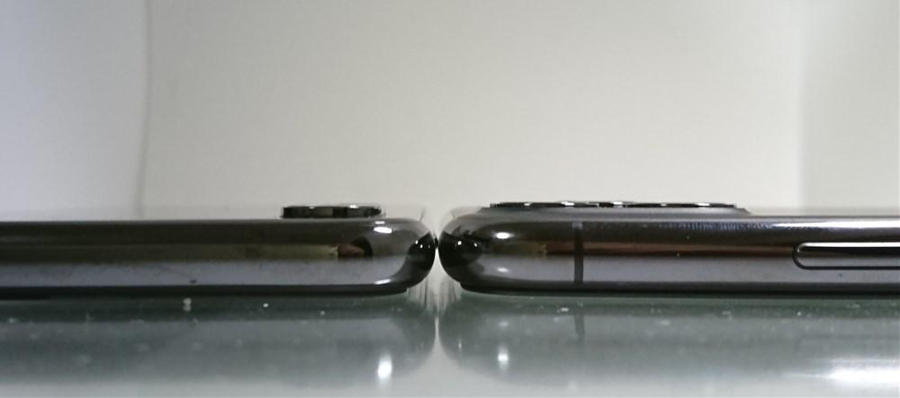 iPhone11proとiPhoneXのカメラレンズの厚み比較