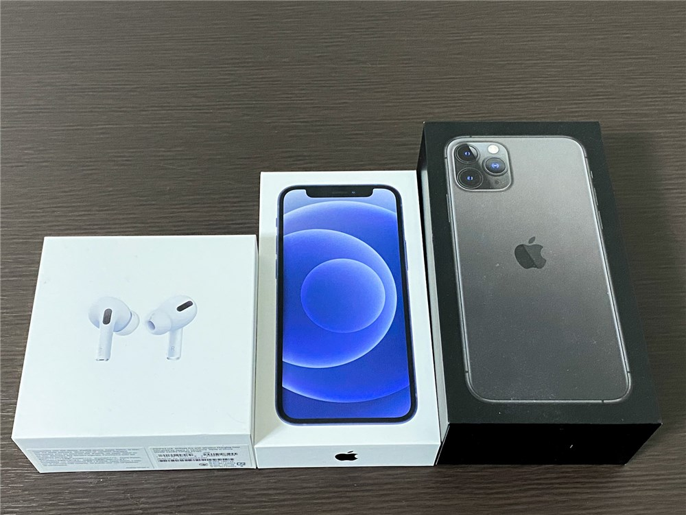 iPhone12miniの箱